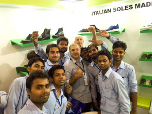 Leather, Footwear Components & Technology Fair Meet At Agra foto social